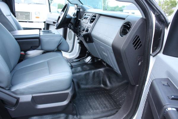0213 19 600x400 - 2015 FORD F550 CREW CAB 4X4 11' FLAT BED