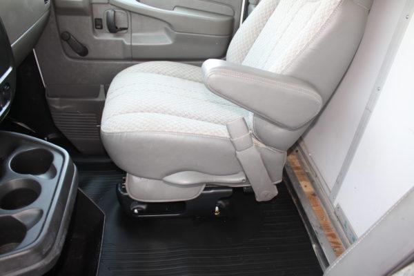 0220 25 600x400 - 2006 GMC G3500 SAVANA 12' SPARTAN UTILITY BODY