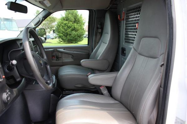 0223 21 1 scaled 600x400 - 2015 CHEVROLET G3500 EXPRESS CARGO