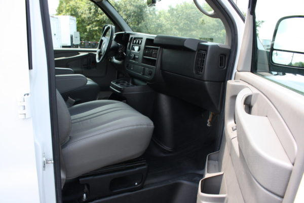 0223 22 1 scaled 600x400 - 2015 CHEVROLET G3500 EXPRESS CARGO