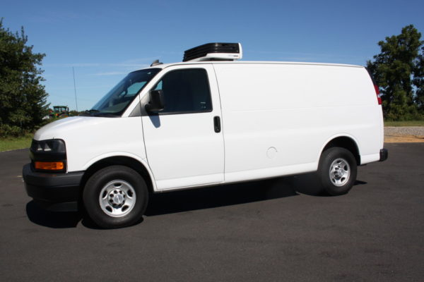 0226 1 scaled 600x400 - 2018 CHEVROLET G3500 EXPRESS CARRIER 30S REEFER VAN