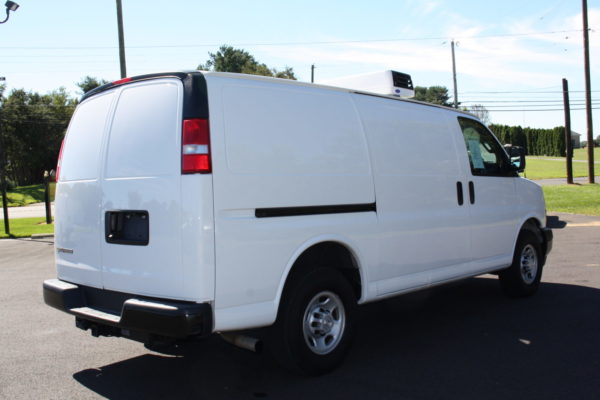 0226 4 scaled 600x400 - 2018 CHEVROLET G3500 EXPRESS CARRIER 30S REEFER VAN