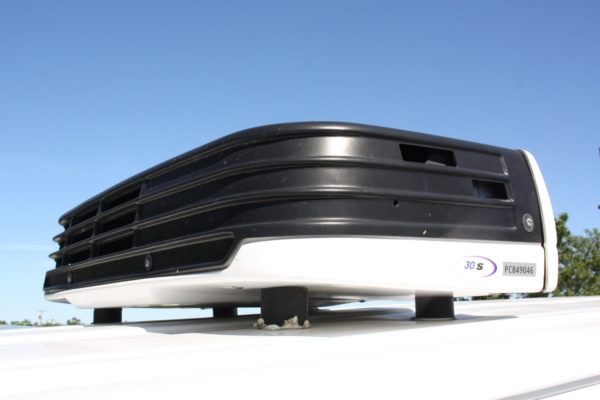 0226 9 scaled 600x400 - 2018 CHEVROLET G3500 EXPRESS CARRIER 30S REEFER VAN