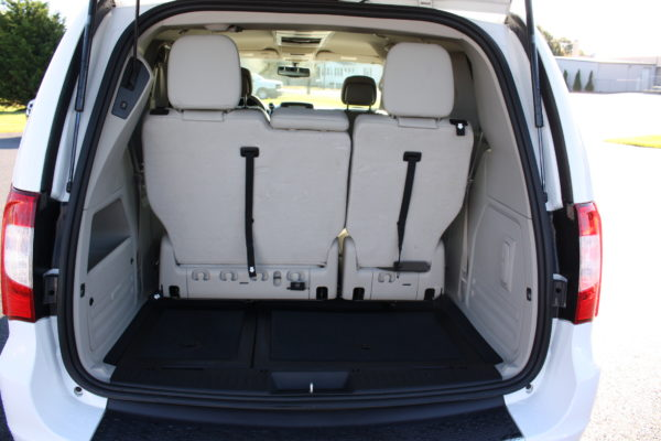 0229 17 600x400 - 2014 CHRYSLER TOWN & COUNTRY TOURING-L WHEELCHAIR CONVERSION