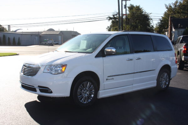 0229 7 600x400 - 2014 CHRYSLER TOWN & COUNTRY TOURING-L WHEELCHAIR CONVERSION