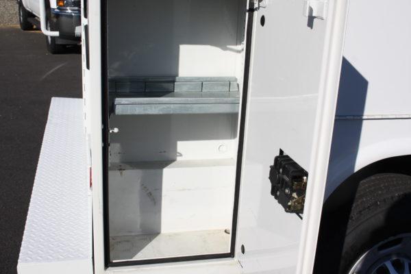 0230 20 600x400 - 2013 CHEVROLET SILVERADO 2500HD ENCLOSED UTILITY BODY