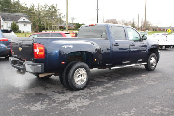 0241 4 600x400 - 2011 CHEVROLET SILVERADO 3500HD 4X4 DUALLY