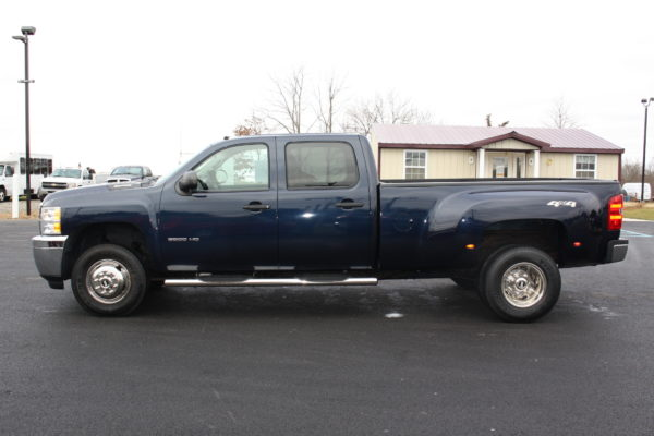 0241 7 600x400 - 2011 CHEVROLET SILVERADO 3500HD 4X4 DUALLY