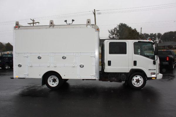 0240 5 600x400 - 2016 ISUZU NPR CREW CAB ENCLOSED UTILITY TRUCK