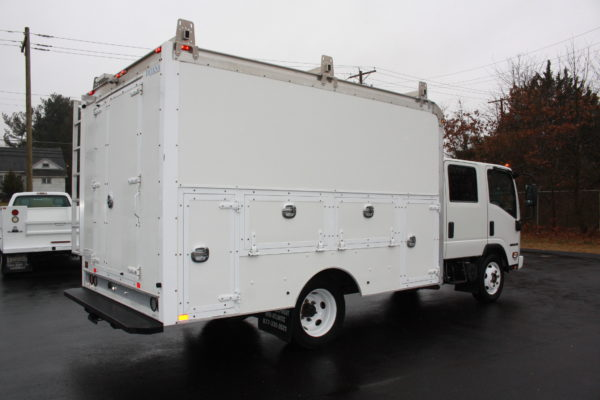 0240 6 600x400 - 2016 ISUZU NPR CREW CAB ENCLOSED UTILITY TRUCK