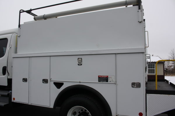 0245 15 600x400 - 2013 FREIGHTLINER M2106 4X4 UTILITY TRUCK