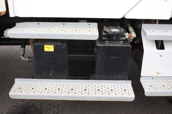 0245 60 600x400 - 2013 FREIGHTLINER M2106 4X4 UTILITY TRUCK