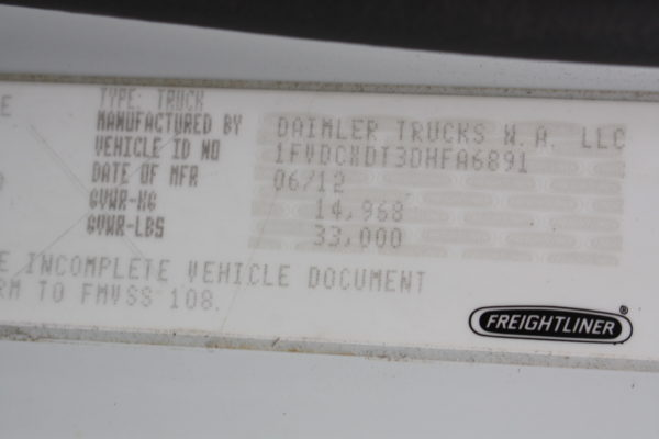 0245 63 600x400 - 2013 FREIGHTLINER M2106 4X4 UTILITY TRUCK