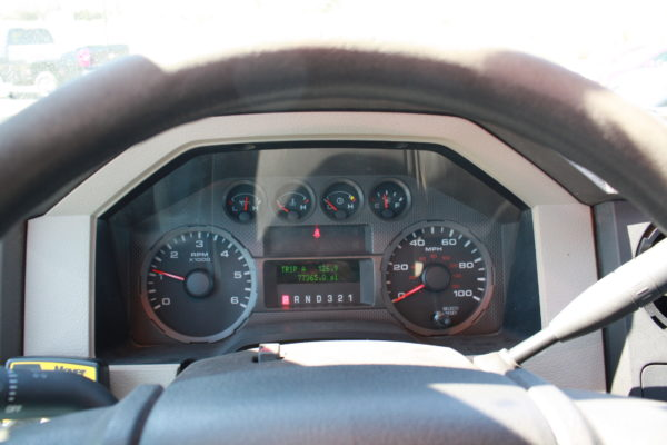 0235 15 600x400 - 2008 FORD F350 4X4 STAKE BODY W/PLOW