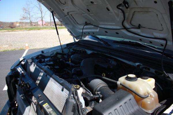 0235 23 600x400 - 2008 FORD F350 4X4 STAKE BODY W/PLOW
