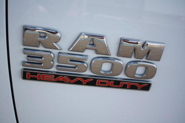 0261 46 600x400 - 2017 RAM 3500 CREW CAB 4X4 WORK TRUCK