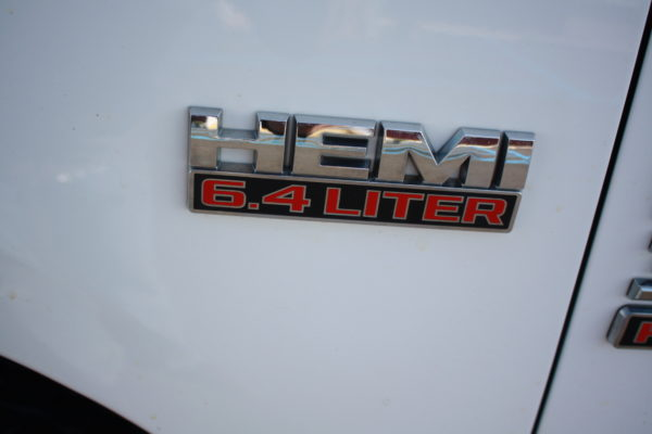 0261 47 600x400 - 2017 RAM 3500 CREW CAB 4X4 WORK TRUCK