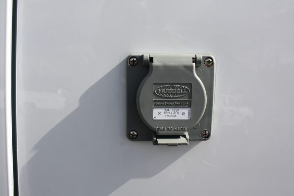 0267 1.9 600x400 - 2019 FORD TRANSIT CONNECT THERMO KING REEFER VAN