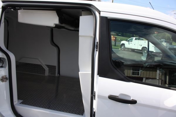 0267 1.97 600x400 - 2019 FORD TRANSIT CONNECT THERMO KING REEFER VAN