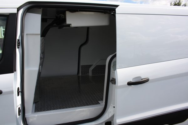 0267 1.98 600x400 - 2019 FORD TRANSIT CONNECT THERMO KING REEFER VAN