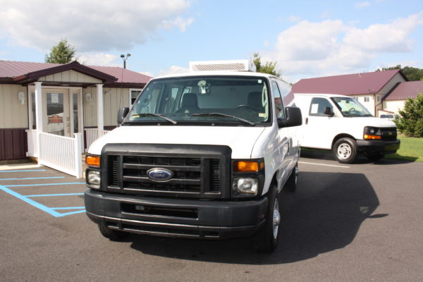 IMG 8106 600x400 - 2012 FORD E150 CATERING REFRIGERATED VAN