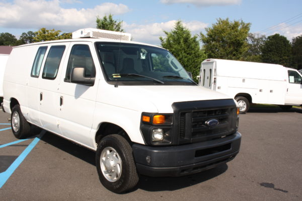 IMG 8107 600x400 - 2012 FORD E150 CATERING REFRIGERATED VAN