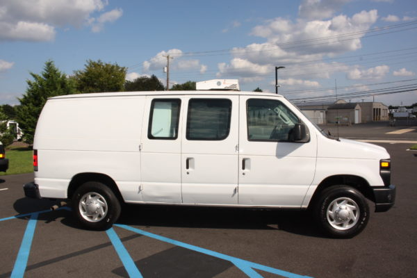 IMG 8108 600x400 - 2012 FORD E150 CATERING REFRIGERATED VAN