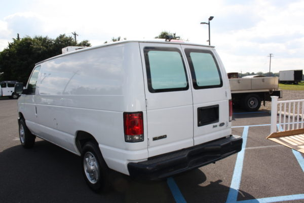 IMG 8110 600x400 - 2012 FORD E150 CATERING REFRIGERATED VAN