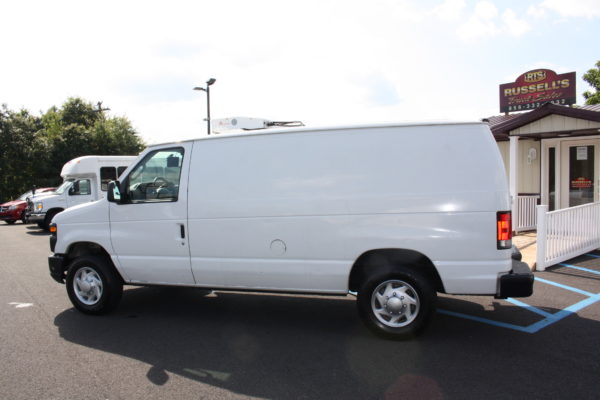 IMG 8111 600x400 - 2012 FORD E150 CATERING REFRIGERATED VAN