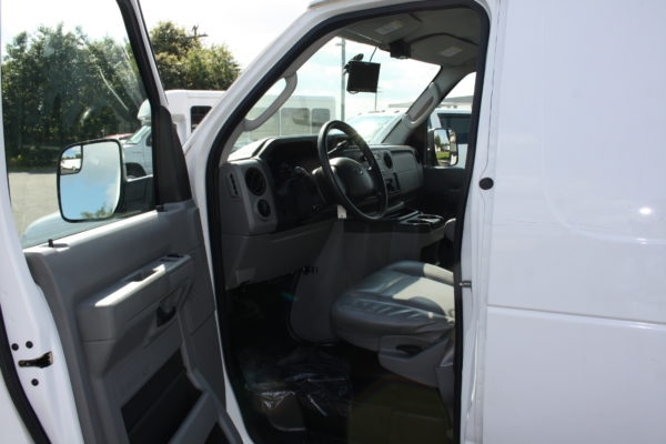 IMG 8113 600x400 - 2012 FORD E150 CATERING REFRIGERATED VAN